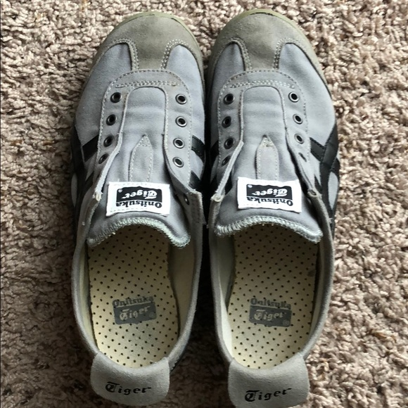 onitsuka tiger mexico 66 slip on grey hoodie